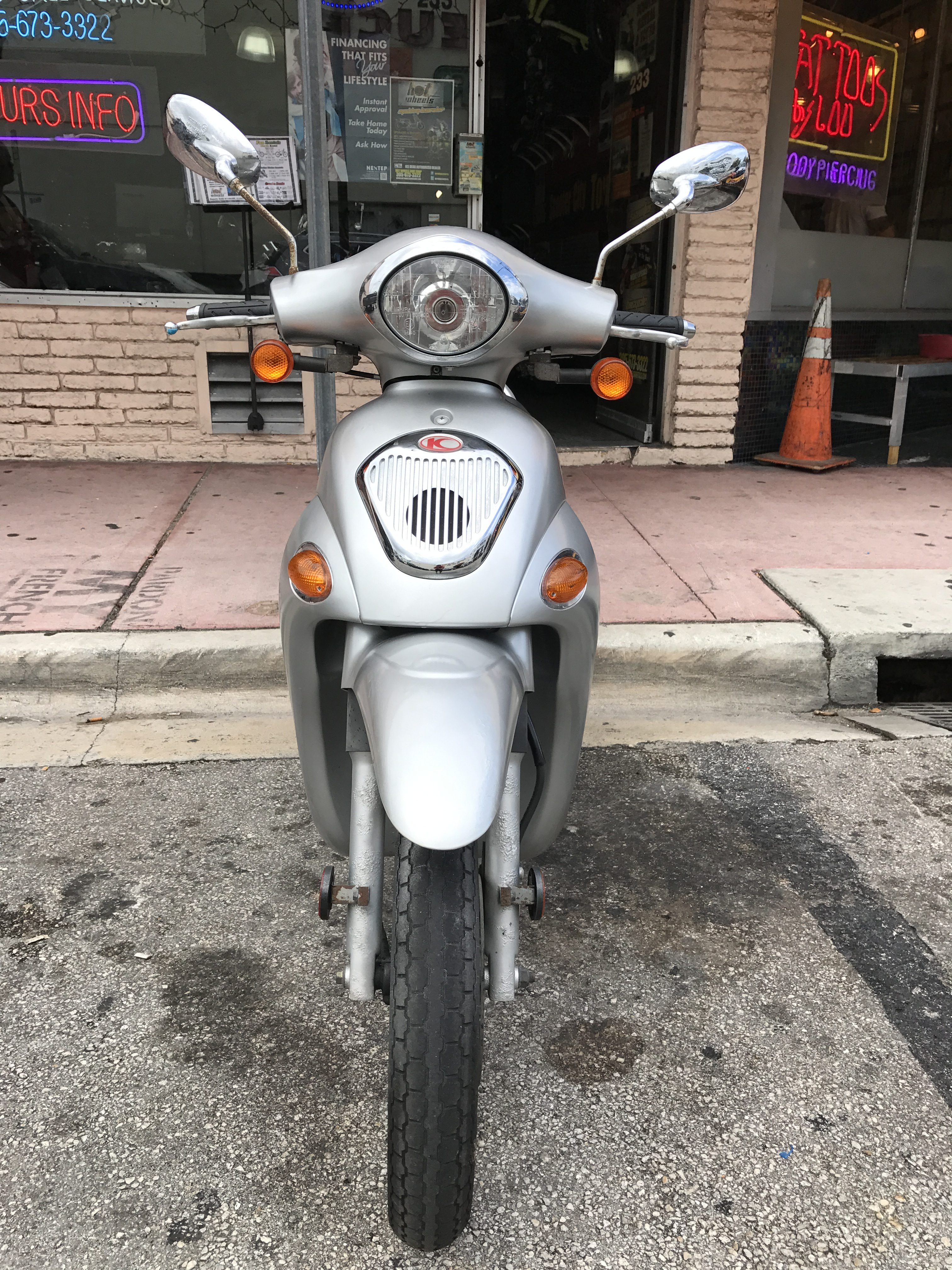 Pre-Owned Scooters - Hot Wheels Rentals
